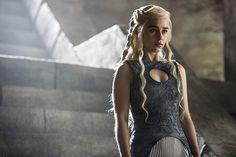 Selecionamos as 10 mulheres por quem você arriscaria a vida entre reinos, inimigos e dragões só para ter alguma delas em seus braços.
