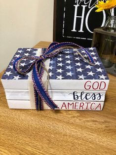 Fourth Of July Decor, Happy Fourth Of July, 4th Of July, July Crafts, Crafts To Sell, Holiday Crafts, Wooden Books, Painted Books, Stamp Book
