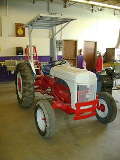 Fordson 8n days of yore pinterest tractor ford tractors and ford 454162906266aa943537zg 480640 fandeluxe Gallery