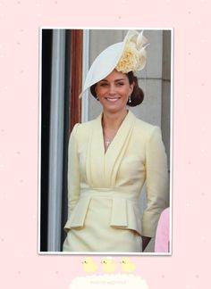 The Duchess wore a fabulous bespoke, Alexander McQueen warm lemon dress for Trooping the Colour! Looks Kate Middleton, Estilo Kate Middleton, Kate Middleton Hats, The Duchess, Duchess Of Cambridge, Windsor, Principe William Y Kate, Princess Elsa Dress, Princesa Kate Middleton