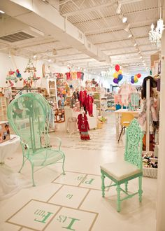 Jelly Beans Children's Boutique - love the mix of stands