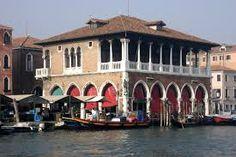Mercado de peixes em Veneza
