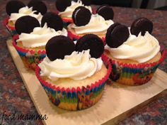 a mickey birthday and a giveaway - Food Mamma Mickey Birthday, Disney Cruise, Giveaway, Cupcakes, Desserts, Food, Tailgate Desserts, Cupcake, Deserts
