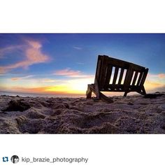 A crabs eye view. By @kip_brazie_photography #verovine #verobeach