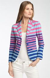 Great jacket that goes with a ton of stuff! i wannnnt