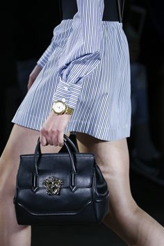 Versace Spring 2016 Ready-to-Wear Fashion Show Details