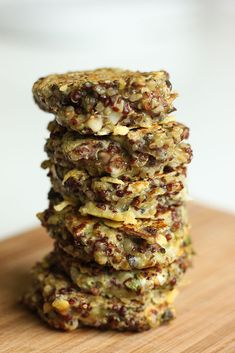 Minis galettes de quinoa aux champignons et au fromage (sans gluten, végétarien)