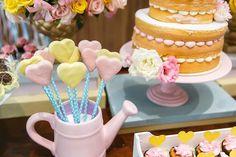 Festa Infantil You Are My Sunshine Sunshine Birthday Parties, Baby Birthday, Chocolates, Sunshine Cookies, Sunshine Baby Showers, Wonderland Party, Strawberry Recipes, You Are My Sunshine, Macaroons