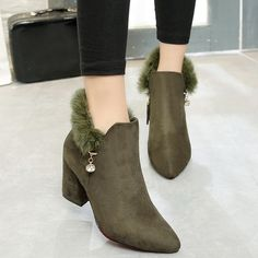 32.29$  Watch now - http://ditoa.justgood.pw/go.php?t=201110701 - Faux Fur Pointed Toe Rhinestone Ankle Boots 32.29$