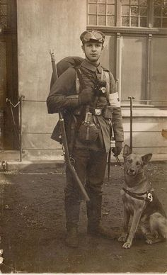 historywars:  Great photograph of a WWI medic and his faithful companion and rescue dog.