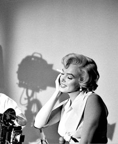"""Beautiful behind-the-scenes shot of Marilyn on the set of """"The Seven Year Itch"""". Photograph taken in 1955."""