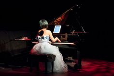 The young pianist Jenny Q Chai took an eclectic approach to her concert at Le Poisson Rouge in both repertory and artistry. Painted Pianos, Strapless Dress Formal, Formal Dresses, Recital, Ny Times, Ipads, Concert, Modern, Sheet Music
