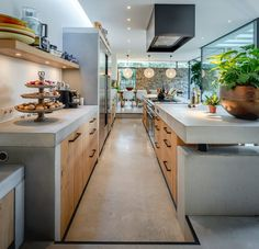 Check out this kitchen with the PMQ furniture pulls in Aged Iron. Design by Francois Hannes. Modern Kitchen Design, Interior Design Kitchen, Home Decor Kitchen, Home Kitchens, Concrete Kitchen, Beautiful Kitchens, Home Renovation, Kitchen Remodel, House Plans