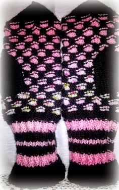 Arkimamman Arkiralli: Mummi kutoo hunajaa Fingerless Gloves, Arm Warmers, Knit Crochet, Knitting, Handmade, Fashion, Gloves, Fingerless Mitts, Moda