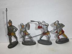 Konvolut 4 alte Hausser Elastolin Massefiguren Ritter silber/gelb/rot zu 7cm
