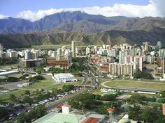"""Otra hermosa vista de """"Maracay"""" y las montañas siempre verdes que la rodean"""