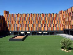 132 Houses With Public Protection / Aguinaga y Asociados Arquitectos
