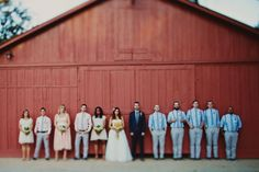 Photos in front of old barn.... yes please!