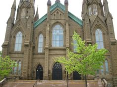 Basilique St Dunstan, Charlottetown, Prince Edward Island, Canada - Photo by Miss Perry Vacation Destinations, Dream Vacations, Island 2, Prince Edward Island, Anne Of Green Gables, Barcelona Cathedral, Places Ive Been, To Go, Canada
