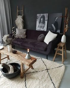 Be creative and see our 14 stunning living room wall ideas to decorate your wall without hiring an interior designer and knocking out walls. Interior Rugs, Home Living Room, Interior Design Living Room, Living Room Designs, Living Room Decor, Black And White Living Room, White Rooms, Black Interior Design, Living Comedor