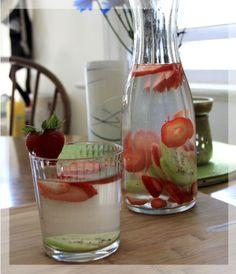 Água aromatizada morango com kiwi