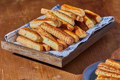 Juhtúrós snidlinges stangli kelesztés nélkül recept | Street Kitchen Pasta Recipes, Bread, Vegetables, Mandala, Food, Brot, Essen, Vegetable Recipes, Baking