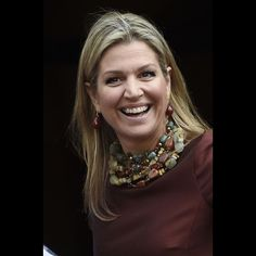 Royal Jewelry, Jewellery, Dutch Royalty, Queen Dress, Queen Maxima, Big Earrings, Royal Fashion, Nice Dresses, Royal Style