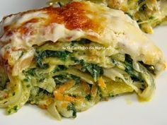 O Cantinho da Marta: Lasanha de Bacalhau com Espinafres e Cenoura Fish Dishes, Seafood Dishes, Bacalhau Recipes, Low Calorie Recipes, Healthy Recipes, Cod Fish Recipes, Portuguese Recipes, Portuguese Food, Catering Food