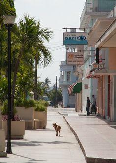 quiet Sunday Cienfuegos, como camine esa calle este verano!!!!