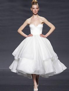 Retro 50s Strapless Organza Tiered Tea Length Tulle Wedding Dress