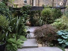 Urban Garden Design Ideas --> http://www.hgtvgardens.com/landscaping/urban-landscape-design?soc=pinterest