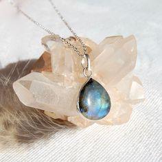Labradorite Teardrop Gemstone Pendant Necklace #labradorite #jewelry