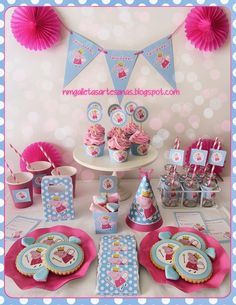 A Peppa Pig party http://nmgalletasartesanas.blogspot.com.es/2013/06/kit-de-fiesta-peppa-pig-descarga.html