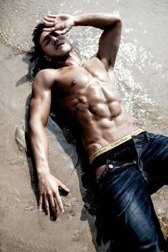 Something #hottie in the splash of the waves of the sea to spice up your #wednesgay day. Don't let him drown for you...