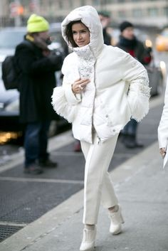 Pin for Later: Flashback Friday: NYFW Street Style Stars Trekked Through the Snow For Fashion NYFW Street Style Day 3 Leave it to Miroslava Duma to have an embellished puffer. Best Street Style, Nyfw Street Style, Cool Street Fashion, Street Chic, New York Fashion, Star Fashion, Girl Fashion, Miroslava Duma, Mira Duma
