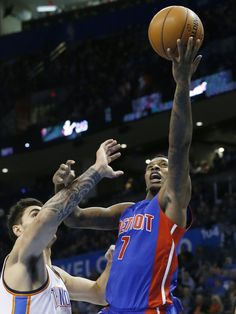 441a013c5c58 Detroit Pistons  Brandon Jennings (7) shoots in front Brandon Jennings