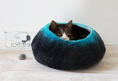 Large Cat Bed / Cat Cave / Cat House / Black and Teal Felted Cat Gift for your cat, your cat will love this its soft and woolly, they will feel snug and warm. Cats are naturally attracted by the wool odour because of the lanolin smell.  Watch video here http://www.youtube.com/watch?v=dkcOQkc1Pe8&feature=youtu.be  Add a insert pad its removable and washable cushion at an additional cost, handmade and hand stamped using fabric ink and heat sealed for ...