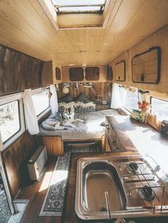 How Awesome is This Van Life Interior? Van Life Ideas The Van Life Interior design is a huge trend right now and is slowly spreading out. People are beginning to realize that life outside of the tradition. Bus Camper, Camper Life, Sprinter Camper, Diy Van Camper, Rv Campers, Camper Trailers, Campervan Interior Volkswagen, Rv Bus, Transit Camper