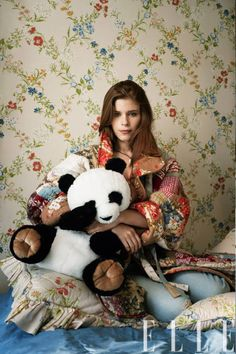 Kate Mara's 70s-inspired fashion shoot for ELLE Magazine