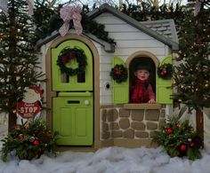 Little tikes playhouse makeover christmas :-)