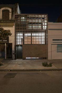 3 FRENTE NOCTURNA 2 (Foto Federico Kulekdjian)