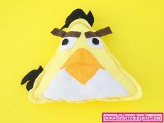 Believe: DIY Angry Birds Pillow w/ Pattern#
