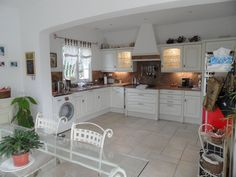Bas Adrechs, Villa for Sale, Fully fitted kitchen