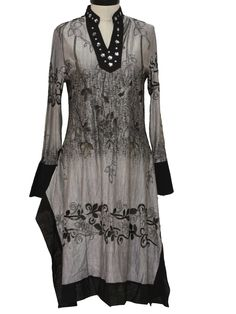 90s -Like- Womens grey, black and metallic silver rayon blend long sleeve below knee length pullover Saree style ethnic dress. Elaborate glitter accented floral and leaf designs and sheer details on a shaded background, with banded hemline, belled cuffs and mandarin style collar and placket accented with sparkling sequins and bead trim.