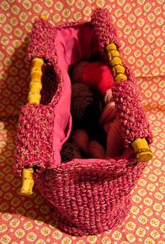 needle book: Lining a knitted bag