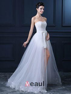 vestidos de novia cortos con cola - Buscar con Google                                                                                                                                                      Más