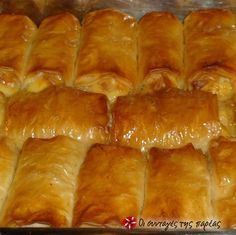 Γαλακτομπούρεκα Σοφίας #sintagespareas Greek Sweets, Greek Desserts, Greek Recipes, Cyprus Food, Food Network Recipes, Cooking Recipes, Sweet Corner, Greek Dishes, Sweets Cake