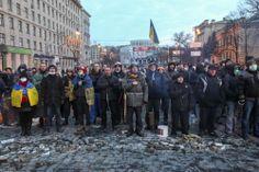 Maidaners are singing Ukrainian hymn on Hrushevskoho str in the morning.