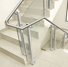Blacksmithing stairs for interiors - Decoration and Fashion Glass Balcony Railing, Balcony Railing Design, Glass Stairs, Stair Handrail, Staircase Railings, Interior Staircase, Staircase Design, Steel Railing Design, Stainless Steel Handrail
