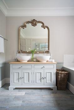 What is The Best Standard Height of a Bathroom Vanity Wc ideas Badkamer spiegel Vessel sink bathroom Gäste wc Badezimmer waschtisch Waschtisch diy Bathroom Mirrors Diy, Rustic Bathroom Vanities, Bathroom Basin, Diy Mirror, Bathroom Furniture, Small Bathroom, Mirror Ideas, Bathroom Ideas, Mirror Vanity